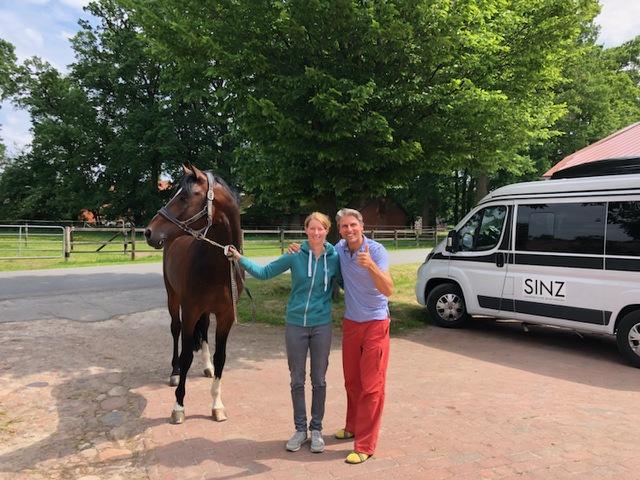 Sandra Auffarth Olympiasiegerin und Weltmeisterin Pferd und Reiterbehandlung